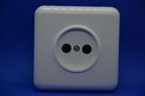 Розетка 1ая СУ квадратная пластик керамика АВС